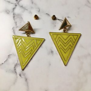 Accessories - Yellow triangle earrings